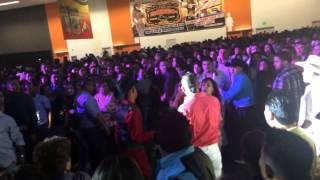 Pelea en el baile de Espinoza paz (San Jose Convention Center)