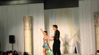 Nir & Emily - défilé de robes de mariage show