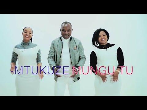 Mtukuze Mungu tu