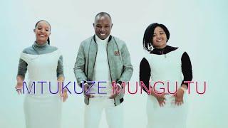 MTUKUZE MUNGU TU.BY SIFAELI MWABUKA.(OFFICIAL VIDEO) SKIZA 7750852 TO 811)