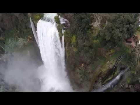 Cascata delle marmore il salto artificiale più alto del mondo
