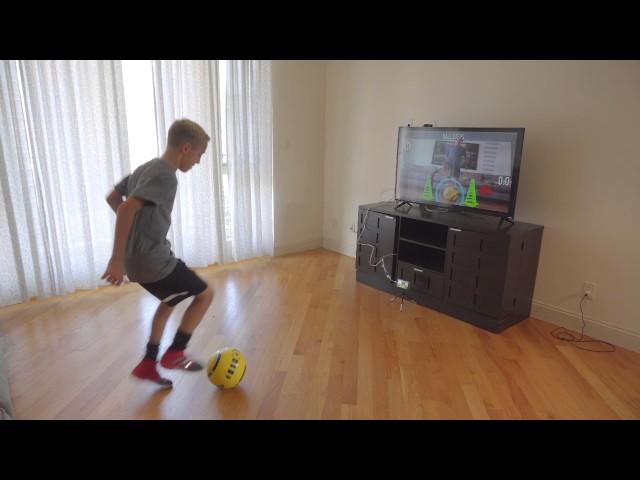 Умный футбольный мяч DribbleUp заменит спортивного тренера