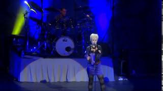 Twenty One Dolores O`Riordan Live Nantes Francia 2012
