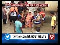 Moving gesture for flood victims - News9 - Video
