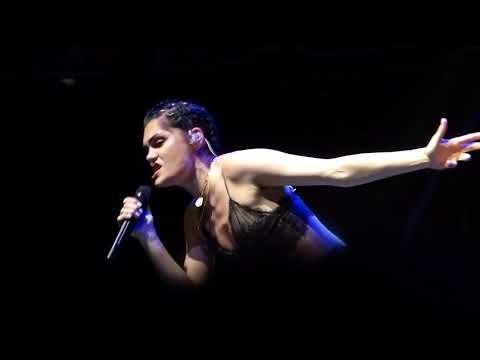 Jessie J - Not My Ex live Albert Hall, Manchester 09-10-17