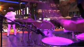 Video : China : Pop performance at the ShangHai World Expo