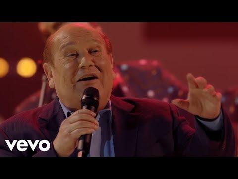 Leo Dan - Una Calle Nos Separa (En Vivo) ft. Los Auténticos Decadentes, Los Caligaris