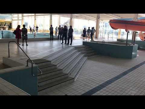 Wideo1: Radni zwiedzają pływalnię Akwawit