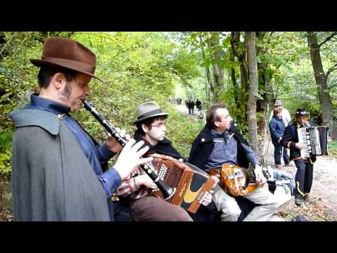Musicant  d'Alba traditional song from piedmont Alba Musiqua