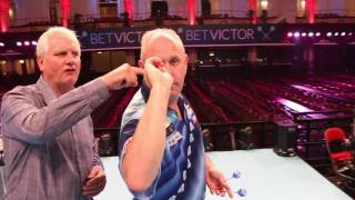 """How To Play Darts   """"My Throw"""" with Ian White"""