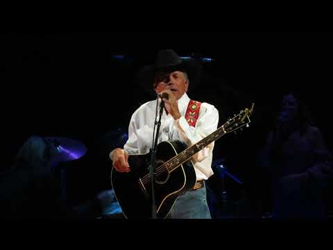 George Strait - Old Violin (Johnny Paycheck Cover)/DEC 2017/Las Vegas, NV/T-Mobile Arena
