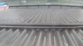 Лето в полном разгаре  Град с дождем