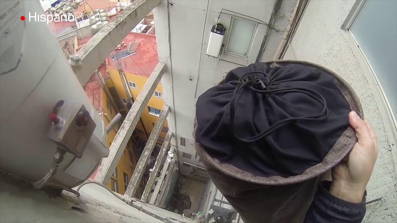 Así se rescataron algunas pertenencias de un edificio afectado por el sismo