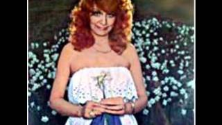 Dottie West- Your a Beautiful Place To Be