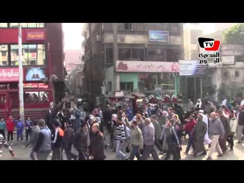 سيدات يتقدمن مسيرة «الهرم» ويهتفن «إسلامية.. إسلامية»
