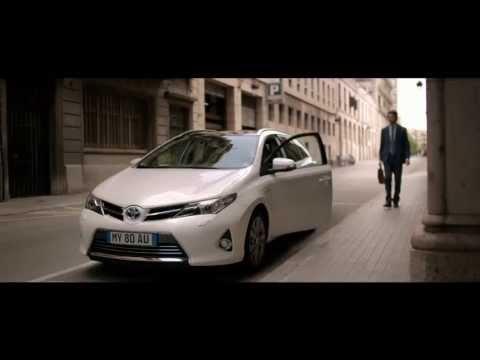 Toyota Auris Touring Sports Универсал класса C - рекламное видео 3