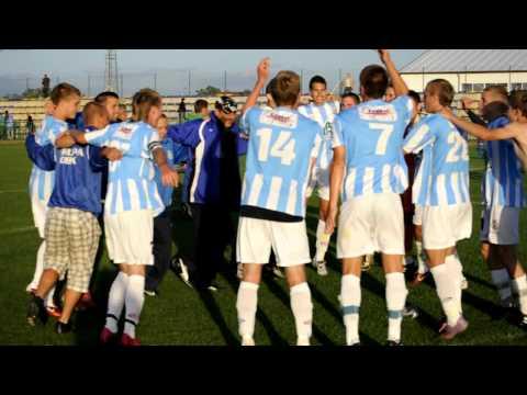 Młodzi piłkarze Stomilu cieszą się po zwycięstwie w Pasymiu