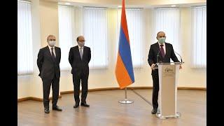 ՀՀ վարչապետն ԱԳՆ աշխատակազմին ներկայացրեց նորանշանակ ԱԳ նախարարին