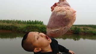 Tim Bò Nướng Mông Cổ - Mao Đệ Nướng Đồ Ăn Bên Bờ Suối Cười Há Mồm