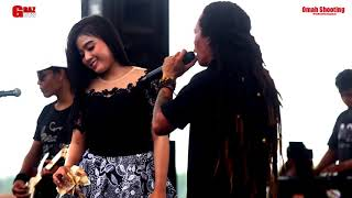 Download lagu Dinding Kaca Sodiq Feat Rere Amora Monata Mp3
