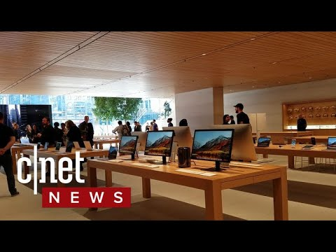 Apple store Chicago walkthrough (CNET News)