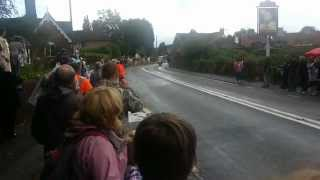 preview picture of video 'Womens Olympic  Cycle Race Through Westcott Village Surrey July 2012'