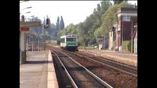 preview picture of video 'SNCF, 04/08/2003, en gare d' Abbeville, passage de trains, BB67500 et autorail Caravelle (DV)'