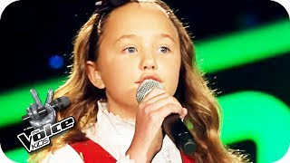The Beatles - Blackbird (Zoé-Loes) | The Voice Kids 2017 | Blind Auditions | SAT.1