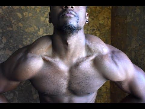Les muscles du dos sur la distension