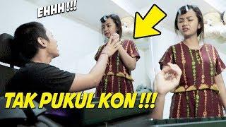 Video STALKING FOTO MANTAN MALAH KETAHUAN PUSPA !!! INI REAKSI DIA ... MP3, 3GP, MP4, WEBM, AVI, FLV September 2019