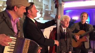 2016 - 11 - 25 - John McDermott Impromtu Video