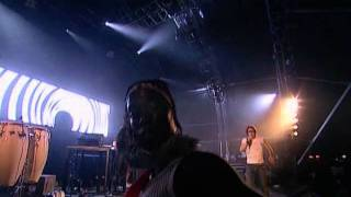 Basement Jaxx - Where's Your Head At ( Glastonbury 2004 Live )
