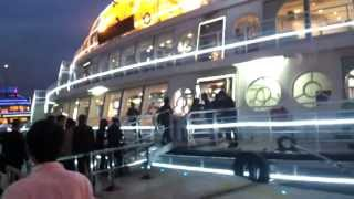 preview picture of video 'Yacht at The Bund, Shanghai'