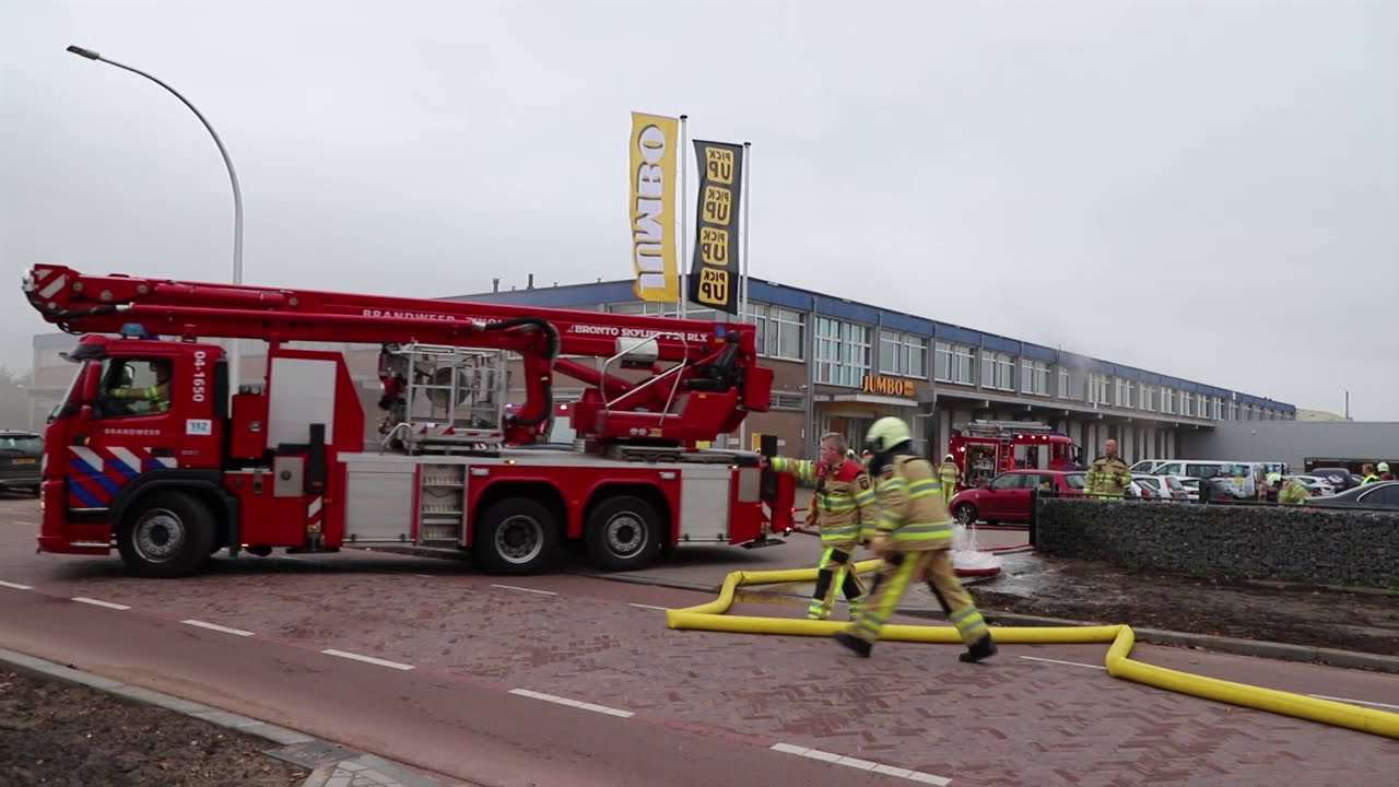 Distributiecentrum Jumbo in Raalte ontruimd na brand