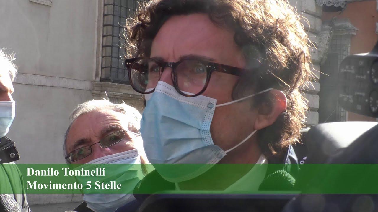 Crisi di governo, consultazioni in corso. 5Stelle compatti sul nome di Conte