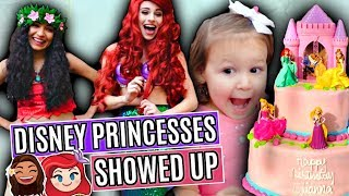 DISNEY PRINCESSES SURPRISE ELLIE AT HER 2ND BIRTHDAY PARTY!