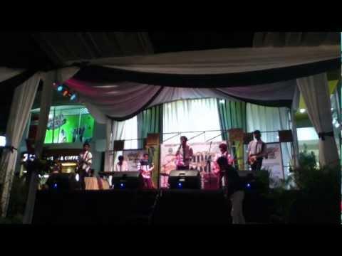 Casavenue - Melody of My Soul (Live) @Ciwalk Bandung