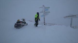 В пургу на снегоходе