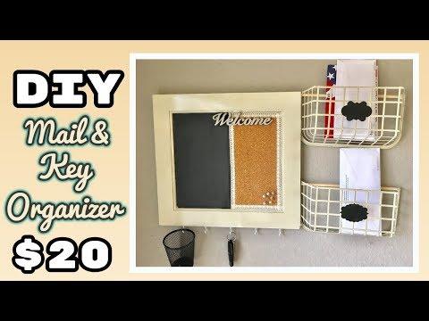 DIY Mail and Key Organizer with chalkboard   Budget Friendly