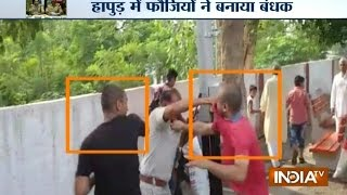 UP & Punjab Police Becomes Trouble-Makers For Public   India TV