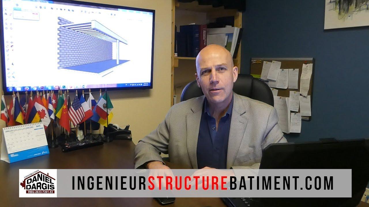 Ingénieur en structure Daniel Dargis présente un mur porteur en poutre et colonne d'acier