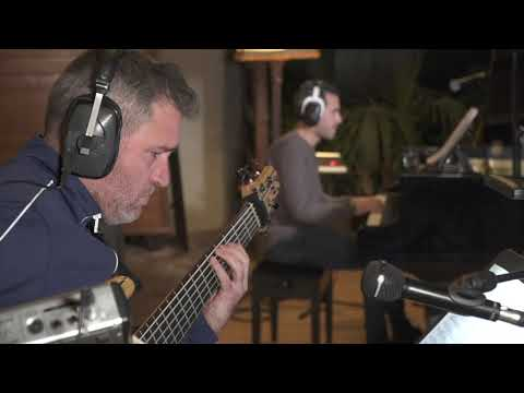 DREAMSCAPE ROOM online metal music video by XAVI REIJA