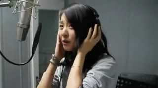"Han Hyo-joo Singing ""Don't You Know?"""