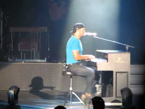 Luke Bryan Talking/Piano cover Lionel, Elvis, Hank Jr, George Strait & Do I Raleigh NC 6-8-14