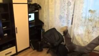 Мужик упал со стула