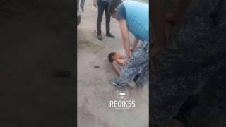 Избиение сбитого пешехода, Омск
