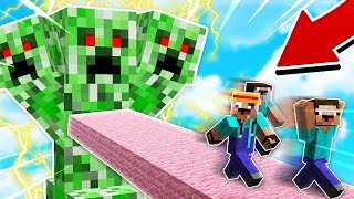 ESCAPING THE GIANT CREEPER IN MINECRAFT! HURRY!!
