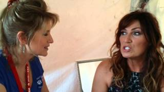 Jo Dee Messina at Southlake Art in the Square '15
