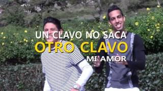 Video Otro Clavo (Letra) de Adrián y Slicker