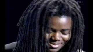 Tracy Chapman - Baby Can I Hold You (Live)